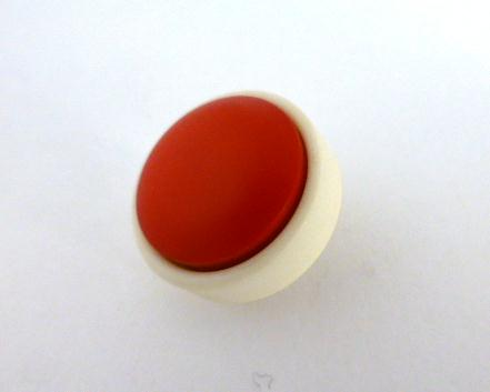 1960's Red and Cream button (no.00986)