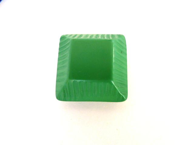 Leaf Green Canted Ridge Square button (no.01018)