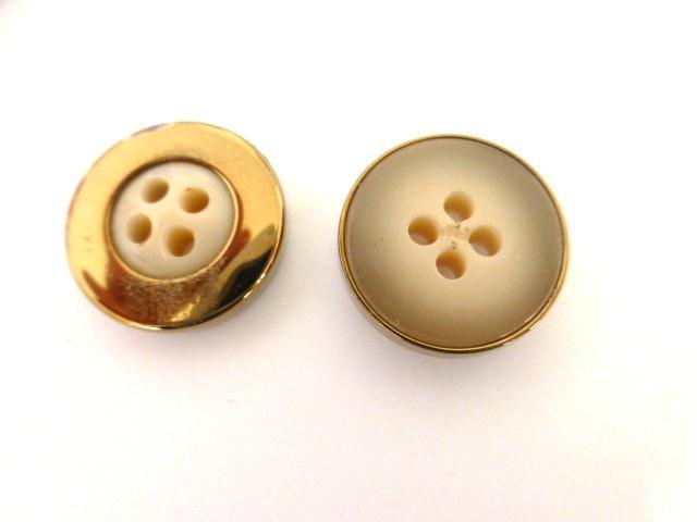 Camel Beige Bronze Cased button (no. 01078)