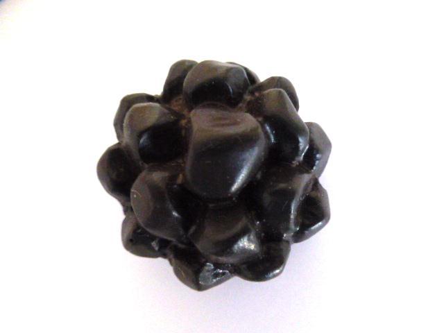 Brown Dahlia button (no.01035)
