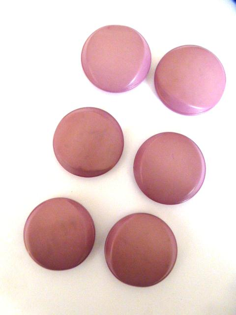 Set of 6 Mauvey Pink buttons