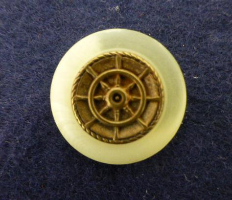 Brass Ships Wheel with Blond Horn Effect Rim button (no.00175)