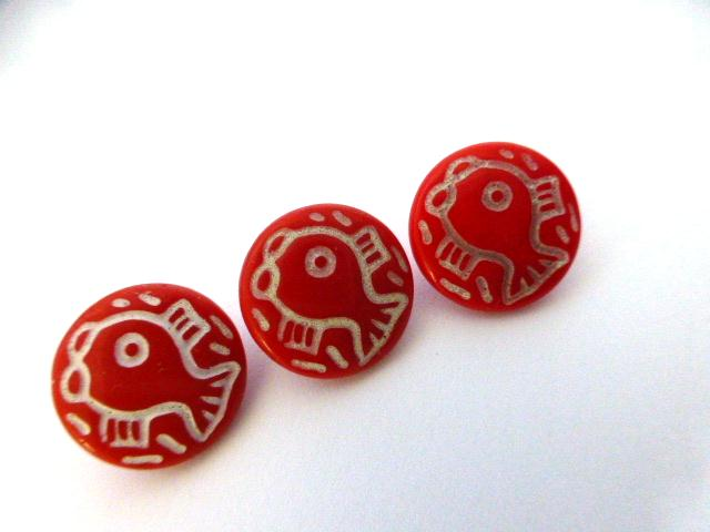 Red and White Fish Children Set of 3 Glass buttons