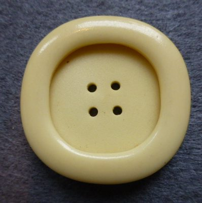 Ivory Yellow Large Round Square 4 Hole button (no.01193)
