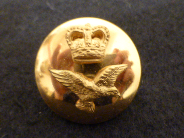 Crown and Flying Eagle Superior Brass button (no. 00595)
