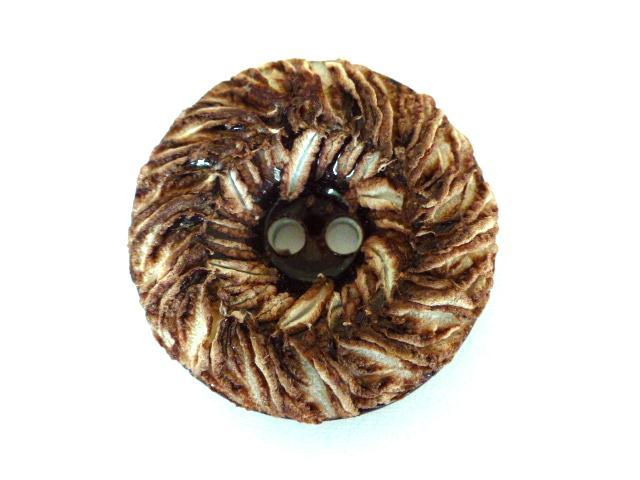 Brown and White Sugar Retro Plastic button (no.00634)