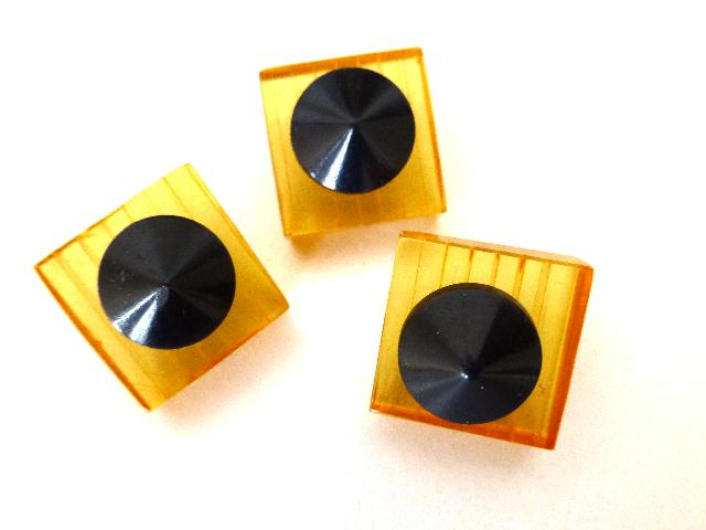 Set of 3 Art Deco Lucite and Bakelite buttons