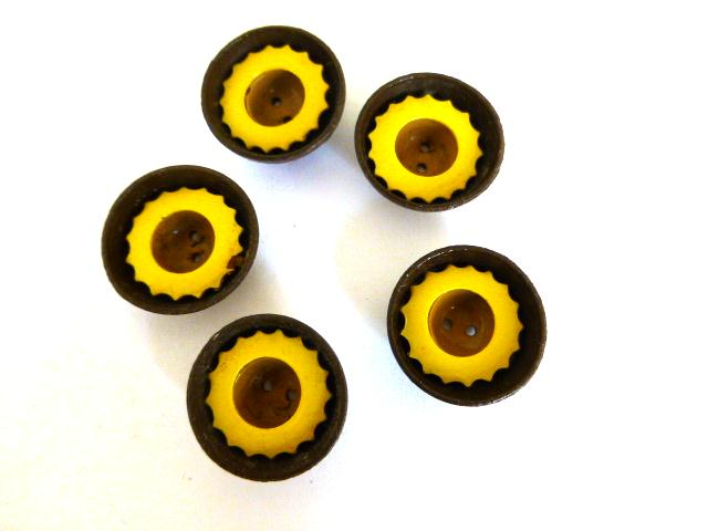 Art Deco Yellow and Brown Cup Set of 5 buttons