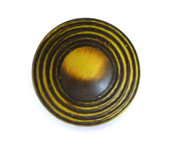 5 x Brown Ivory Two-Tone UFO Buttons Set