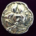Art Nouveau Iris Sterling Silver Antique button Chester 1901