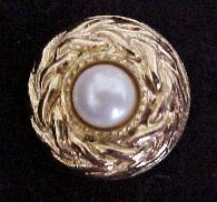 Pearl and Gold button (No.00124)