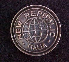 New Republic button (No.00140)